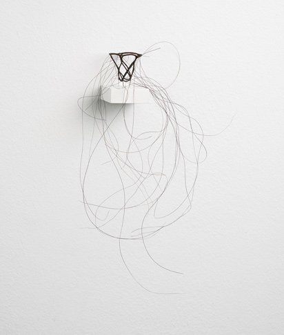 Kleiner Haarkelch, little hair chalice, 2006, horse hair needles